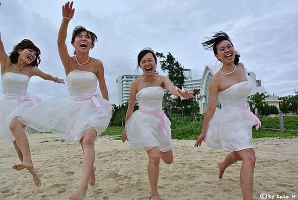 假伴娘比新娘嗨