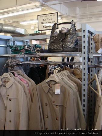 best service 0a6a2 8aaf0 英國] 倫敦Burberry Factory Store @ StellaYu日常生活雜記:: 痞 ...