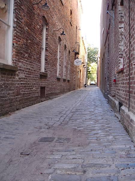 鋪石頭的路