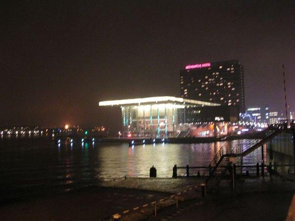 Amsterdam著名的音樂廳,Binhuis。