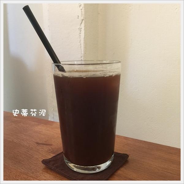 hoyo cafe 019.jpg