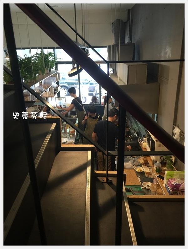 hoyo cafe 022.jpg