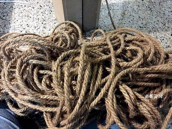 貓抓繩黃麻繩.jpg