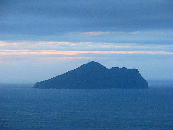 對面的龜山島