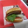 離 LAX 最近的 in-and-out burger, 這幾天吃到最好吃的美國牛 (?
