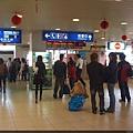高雄火車站等車中
