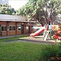 教室還保留下來_照片左邊到底是當年北小附幼的入口_右邊應該是
