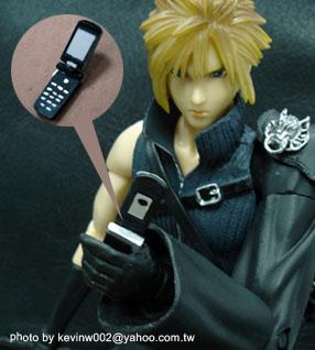 奇魔賣家 kevinw002 親手製作的克勞德手機模型-01