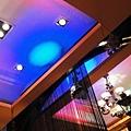 客餐廳炫麗的天花板
