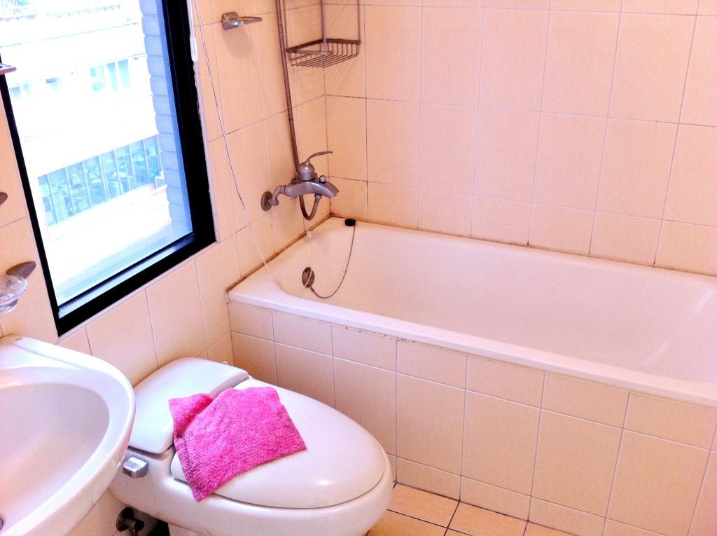 主臥浴室2