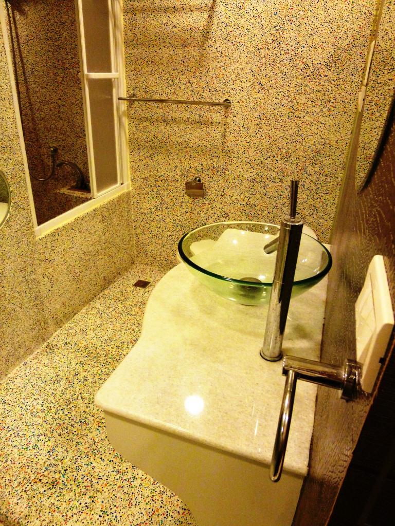 主臥浴室1