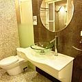 主臥浴室3