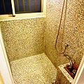 主臥浴室4