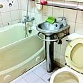 公共衛浴一