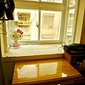 次臥房之書桌