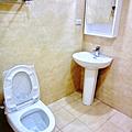 主臥衛浴2