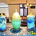 廚房與餐廳間的瓷器花瓶