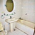 二樓公共衛浴