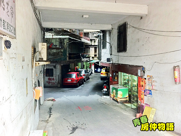 社區大門口.png