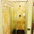 更衣室沐浴區.PNG