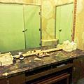 泳池更衣室鏡台.PNG
