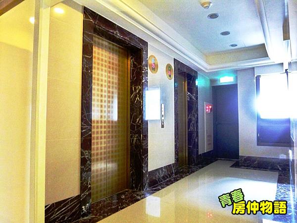 樓梯間.PNG