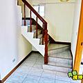 通往四樓的內梯.PNG