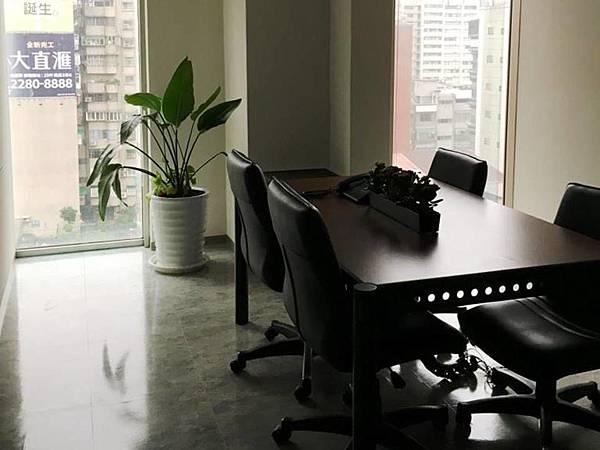 小會議室.jpg
