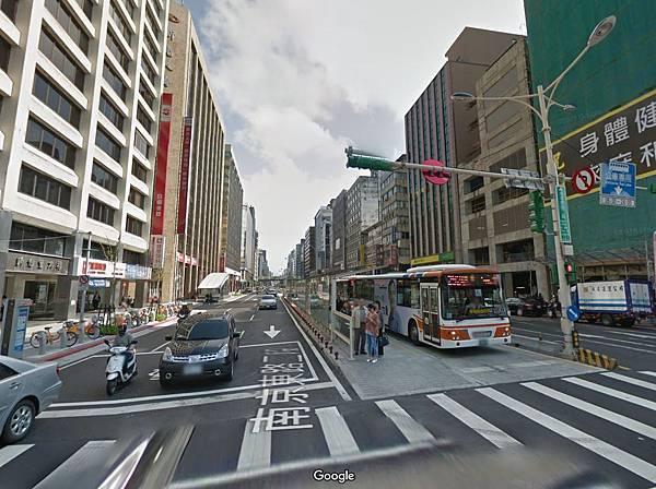 南京東路街景.JPG