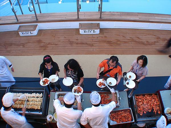 16.BBQ唯一的肉類蝦子和香腸.jpg