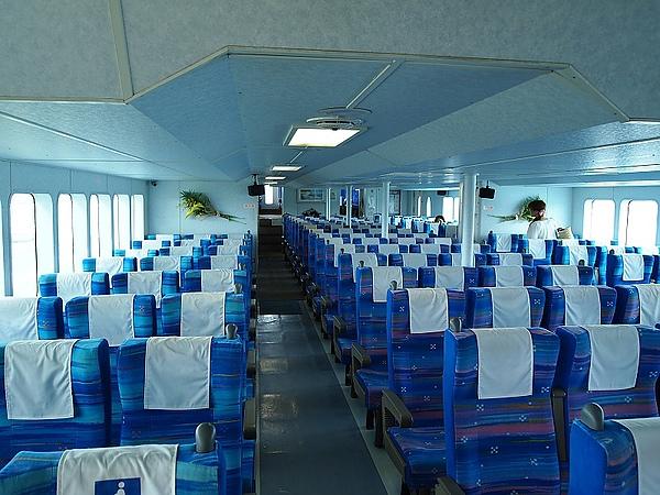 27.觀光船的船艙.jpg