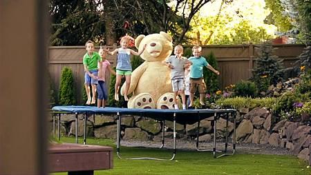 Cosco 93吋熊玩偶
