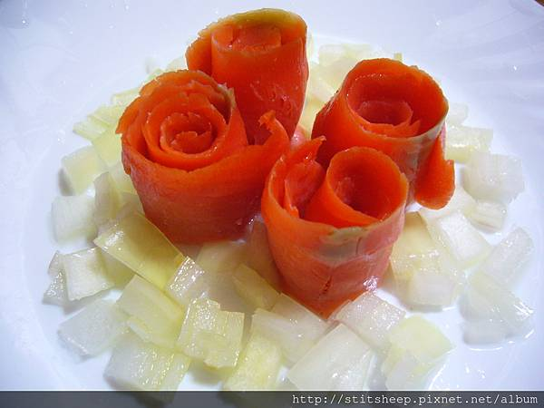 1020121洋蔥燻鮭魚玫瑰 (1)