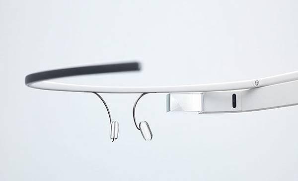 [產業] Google谷歌投資入主台灣立景光電,將為穿戴式設備做準備,Google眼鏡布局,Apple Iphone 5S遇生產問題還要再等等 (Google Glass,功能,中文,概念股,Wiki,價格,原理,上市開箱,未上市公司,蘋果 iPhone Lite, Ipad 5, 液晶顯示器部門,硅晶片,模組生產規模,硅控液晶顯示器(LCOS),科技部落格AppleInsider,擴增實境AR,虛擬實境VR,Liquid Crystal On Silicon,2498宏達電HTC 蝴蝶機)
