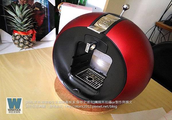 [開箱] 雀巢膠囊咖啡機,Dolce Gusto咖啡膠囊,推薦價格便宜多口味,New Circolo,煮咖啡哪裡買,展示架,評價比價,環保清洗