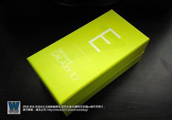 開箱,Samsung E7評價,簡易開箱: 三星Galaxy價格中階的平價遊戲手機 (缺點,截圖,root,j7,皮套,智慧型手機,拍照,自拍,4G LTE,)
