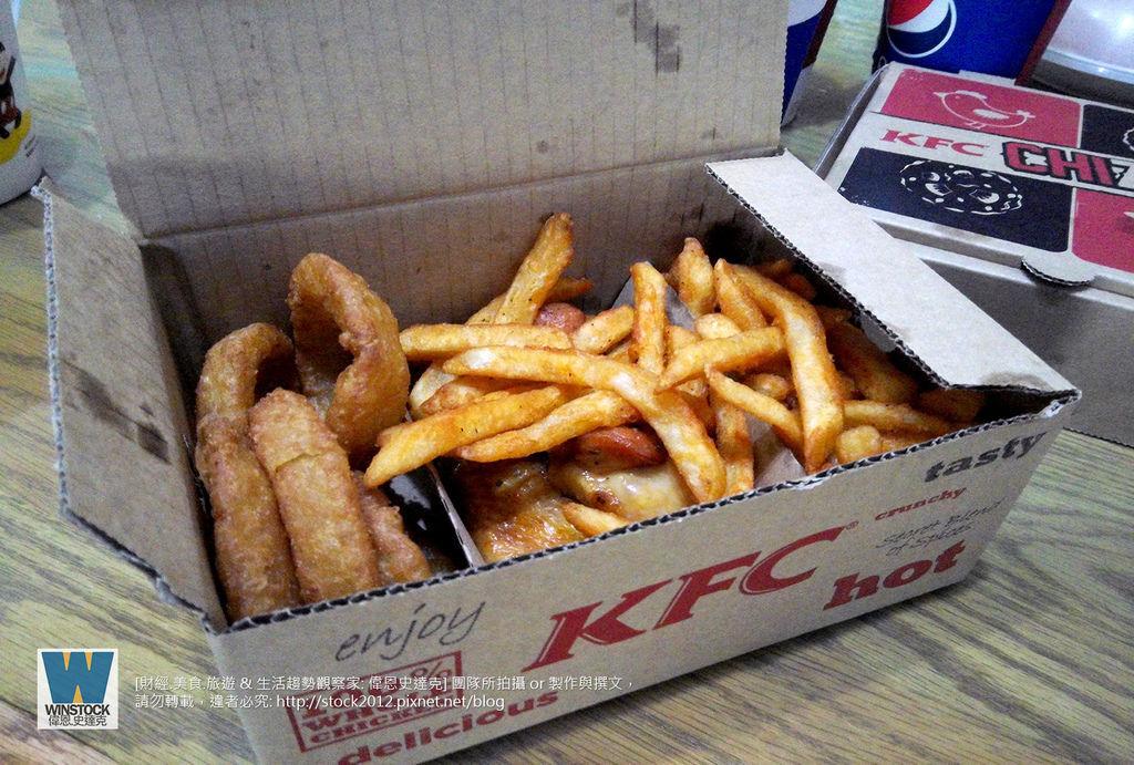 肯德基 KFC 披薩炸雞,披薩雞腿排,CHIZZA,體驗食記評價: 搭配網路訂餐優惠,送卡啦脆雞和勁爆雞米花大份 (外送,早餐,蛋塔,悠遊卡,24小時)2