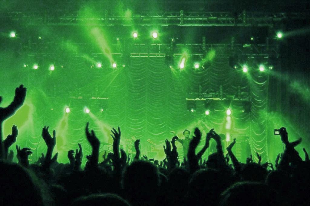 海外演唱會投資與明星見面會簽唱會投資分享: 文創投資機會題材的新興投資組合 (門票,售票,獲利,流程,台灣,韓國,歐美,亞倫國際娛樂)2