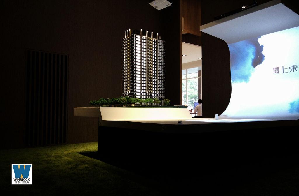 上東城建案參訪,汐止東湖成交價格局坪數,住展建商制震宅高規格建材制震壁,金龍湖,夢想社區