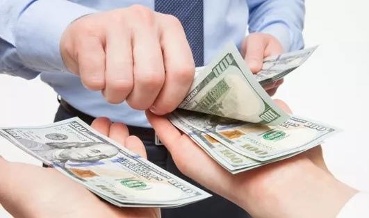 台灣平均薪資月薪,2018,2019,學歷越來越值錢,主計處統計碩博士平均年收入上升6%達年薪百萬(中位數,年齡,美元,美金)