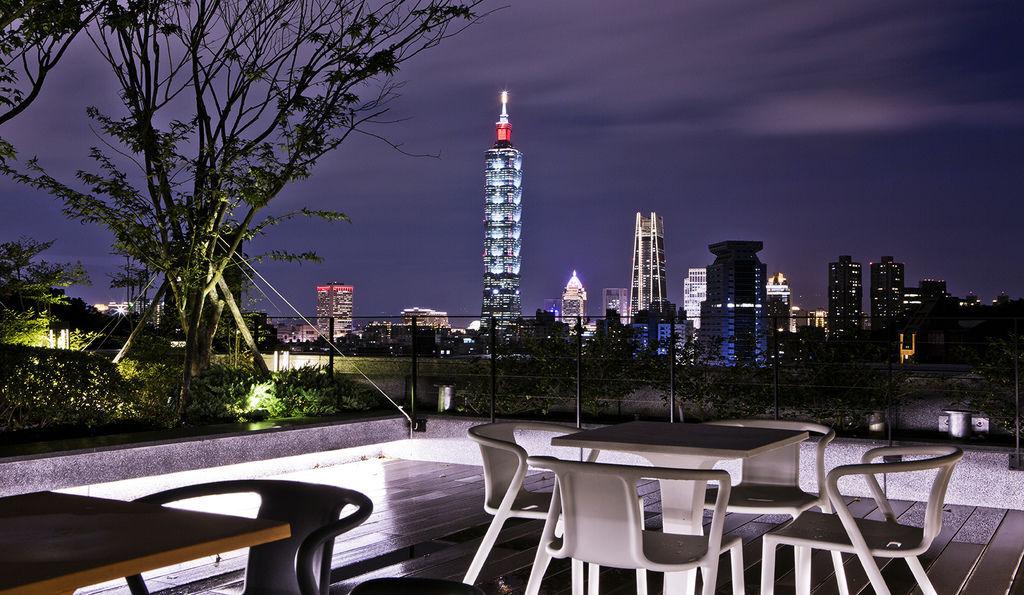東騰信義,101大樓夜景.jpg