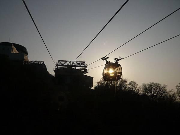 纜車進夕陽