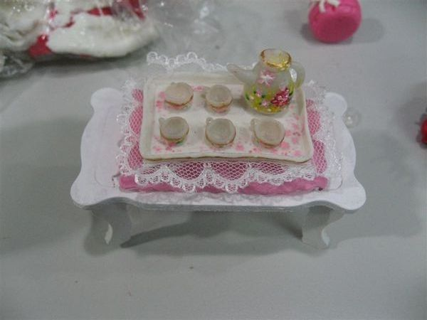 桌子以及高級茶具組!!!