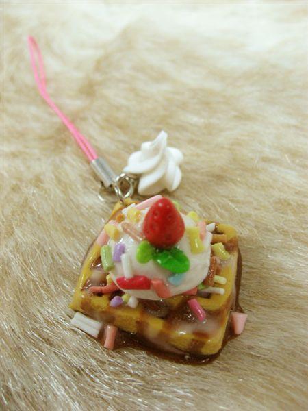 草莓巧克力豆鬆餅_手機吊飾