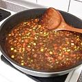 黑胡椒鐵板麵-3、加入冷凍蔬菜