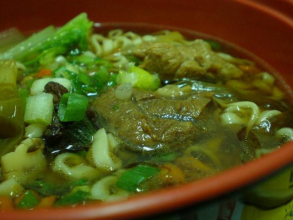 蔥燒牛肉麵3