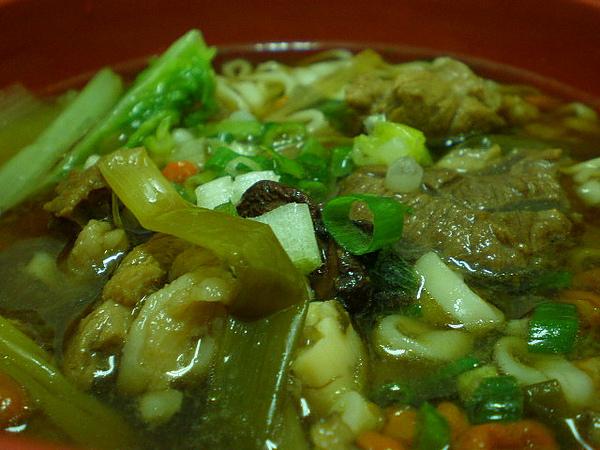 蔥燒牛肉麵1