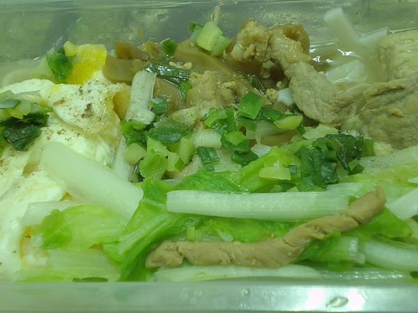 榨菜肉絲麵~湯麵版(特寫)