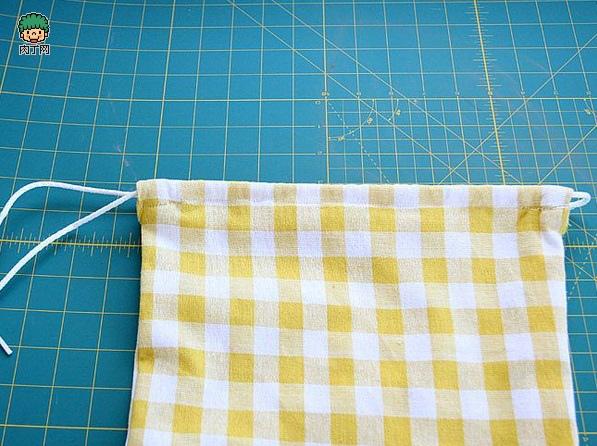 一款簡單的布藝收納袋9.