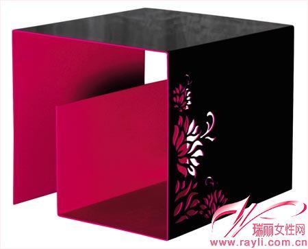 帶花朵圖案黑紅色坐凳